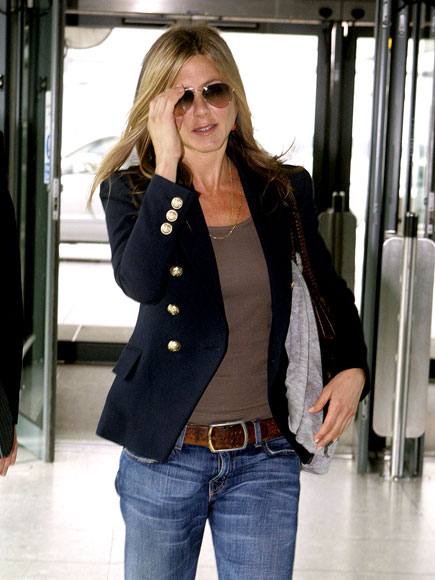 TRAVELING PANTS photo | Jennifer Aniston