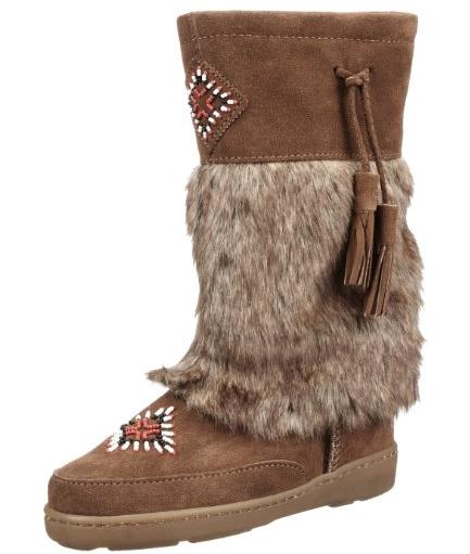 Minnetonka Fuzzy Boots